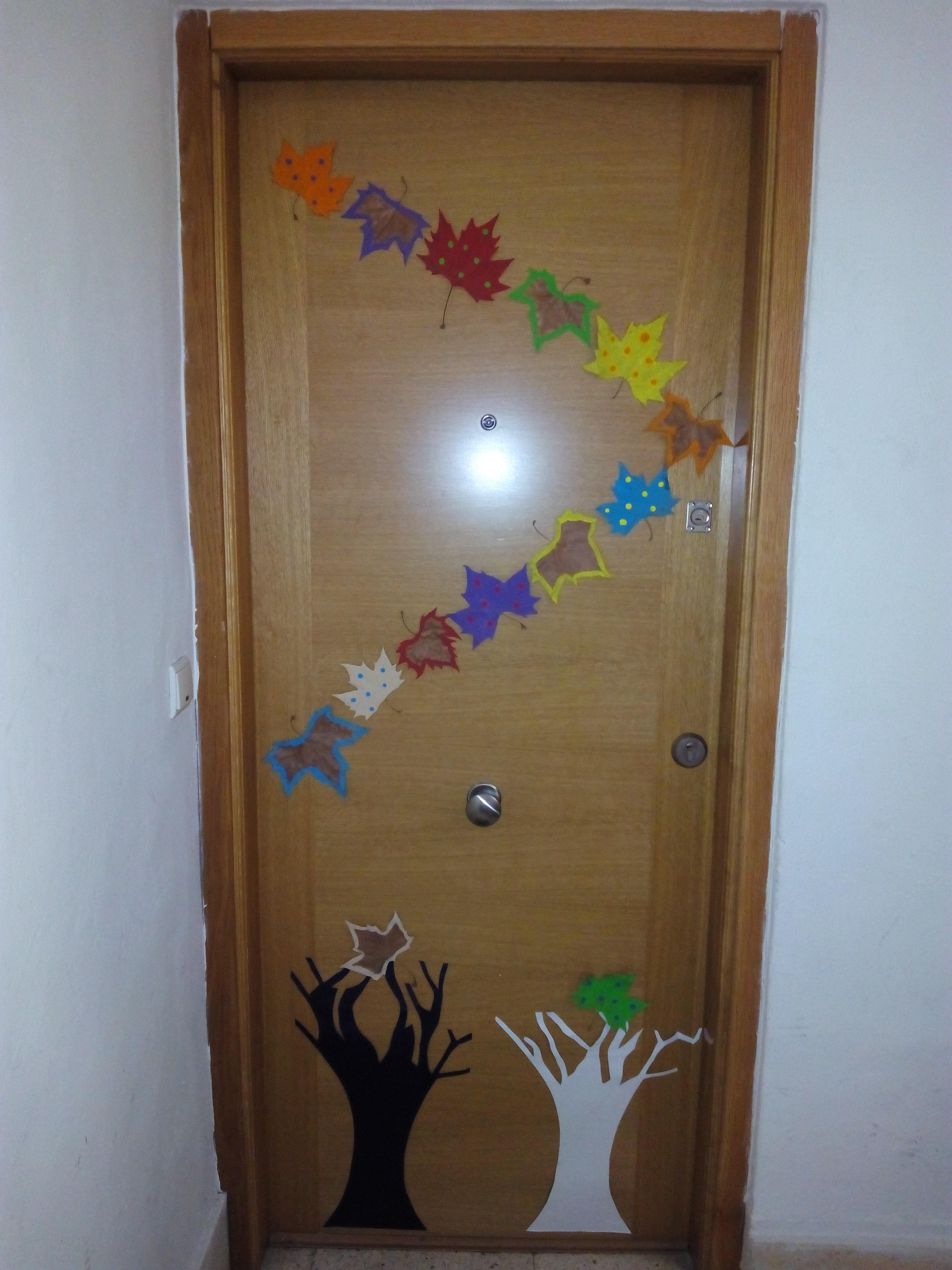 Puertas decoradas el mundo de trixi for Puertas decoradas para guarderia