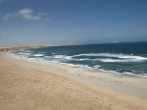 playa del diablo paracas