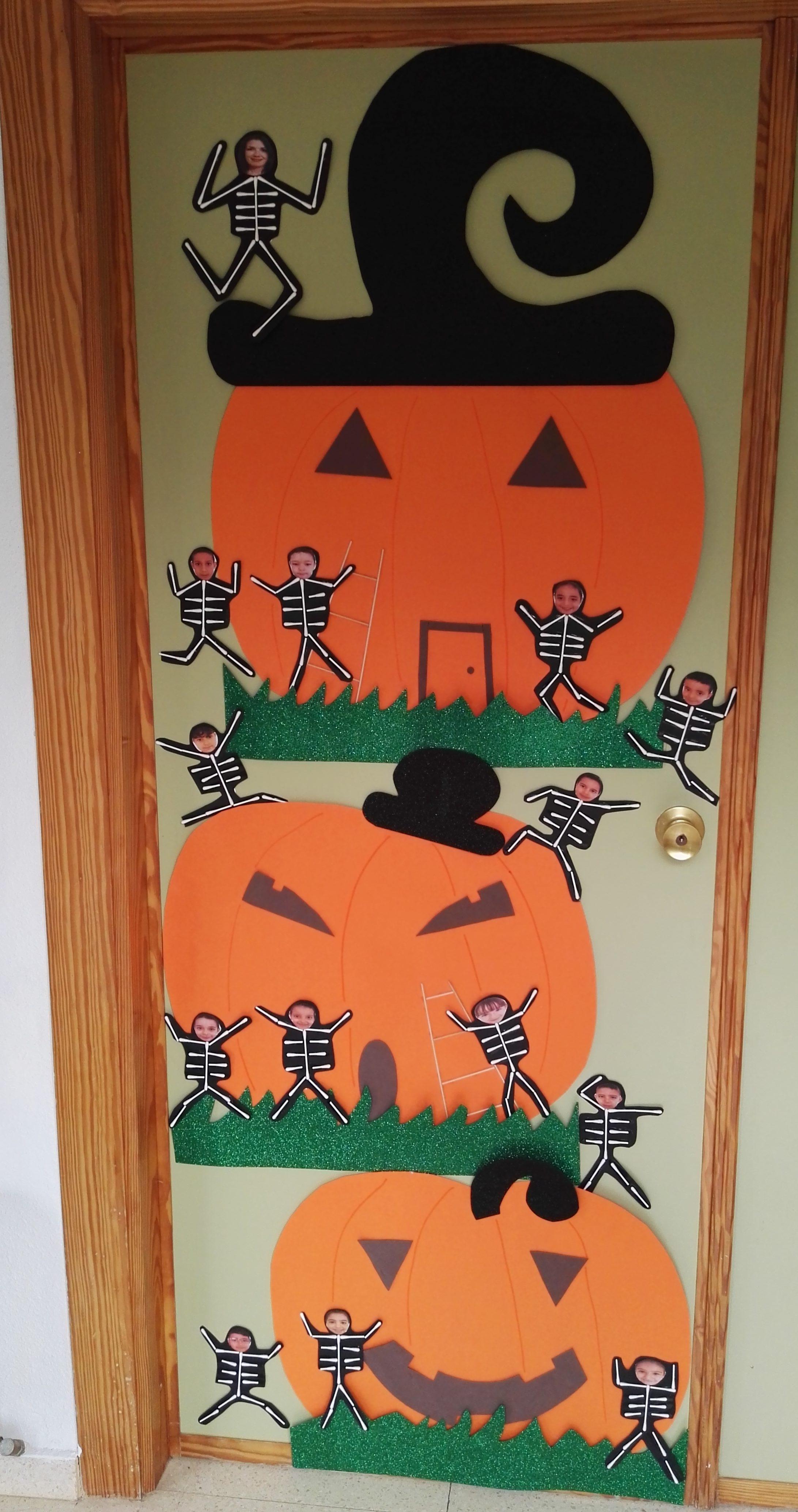 Puertas decoradas el mundo de trixi for Puertas decoradas para el 10 de mayo